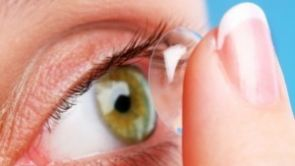 Bezstarostný den s jednodenními kontaktními čočkami