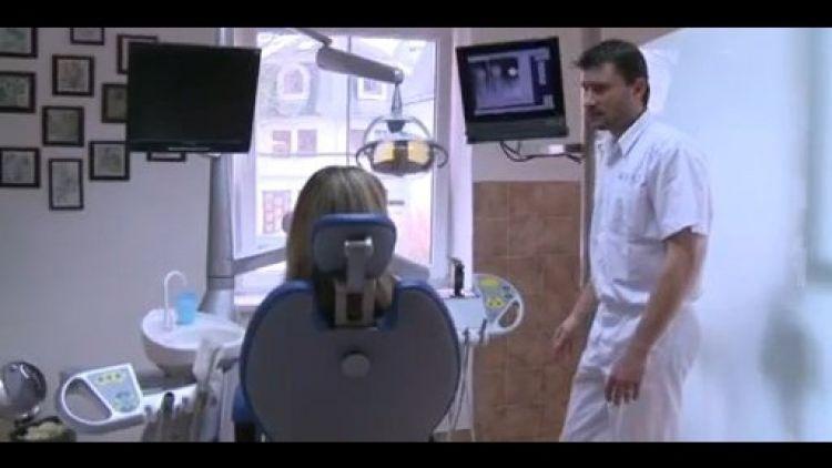 Chybějící zuby mohou nahradit zubní implantáty